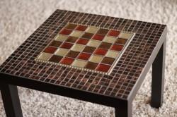 Декорирование стола мозайкой
