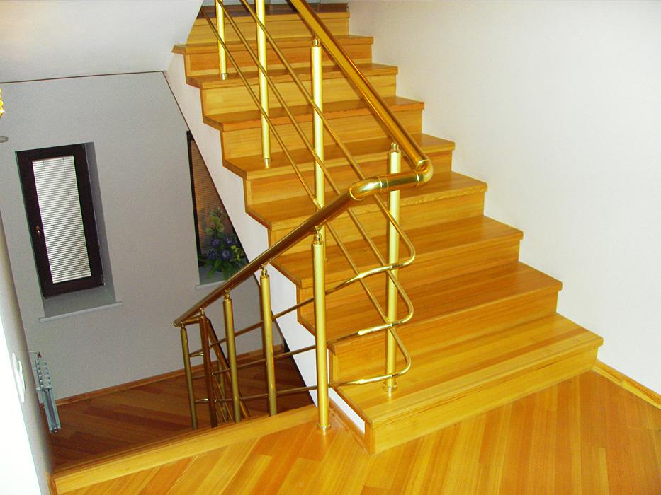 К чему снится деревянная лестница в доме
