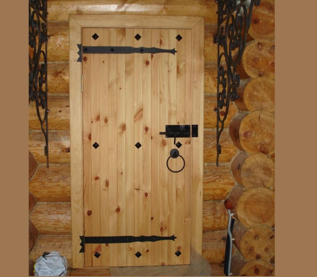 Сделать деревянную дверь в баню своими руками