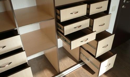Как сделать в шкафу выдвижные ящики