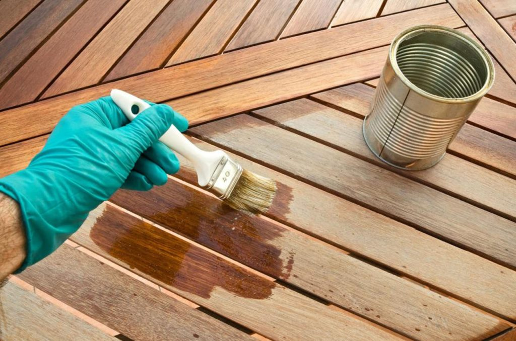 Виды грунтовок и актуальность использования составов для обработки древесины